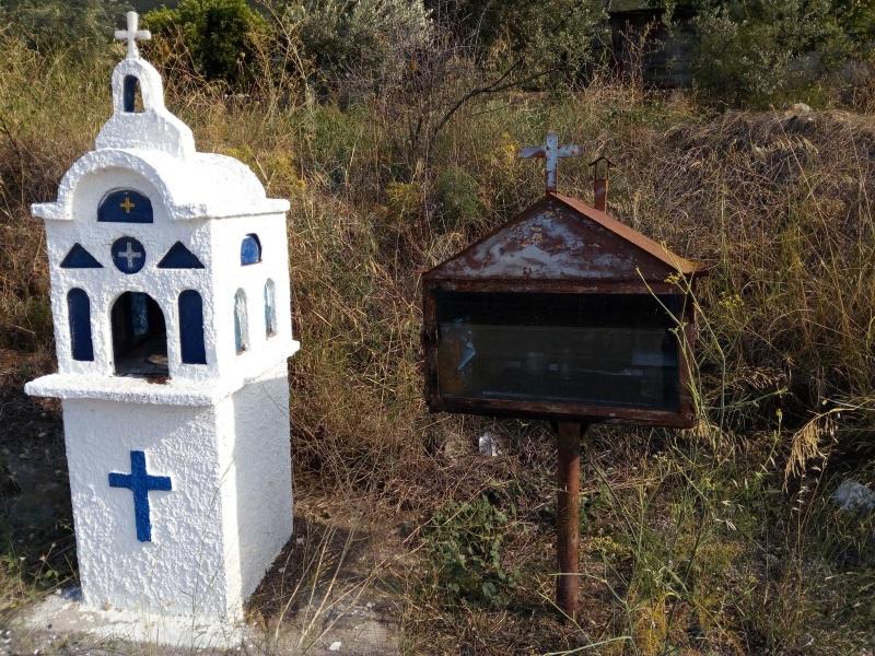 часовенные столбы в Греции