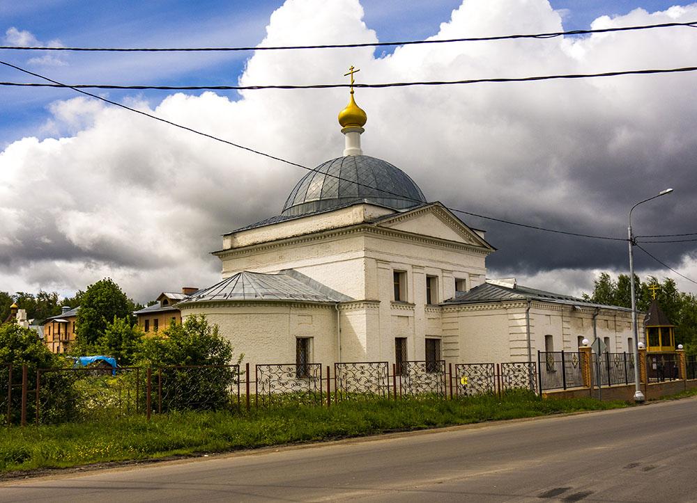 Храм Архангела Михаила в Кубинке