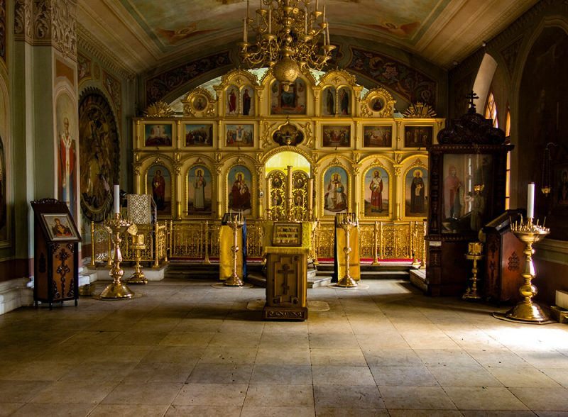 Успенский собор, Дмитров, алтарь