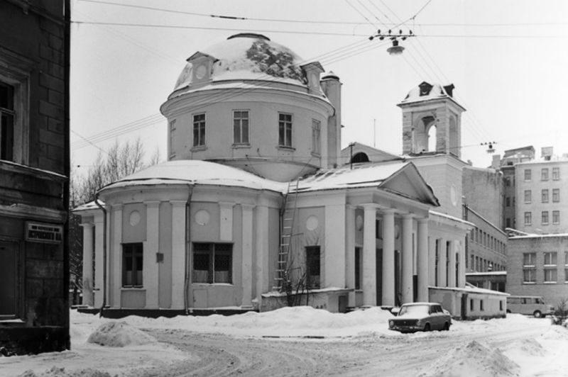 Храм Успения на Могильцах, советское время