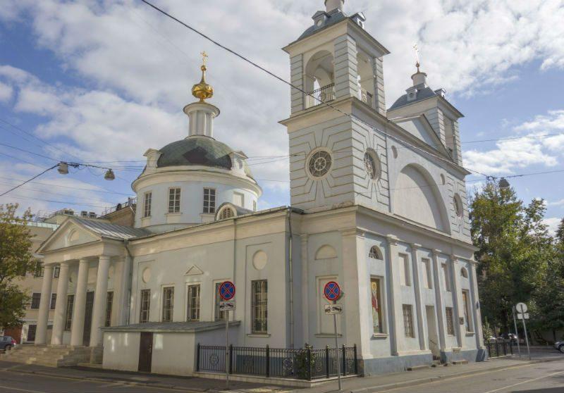 Храм Успения на Могильцах