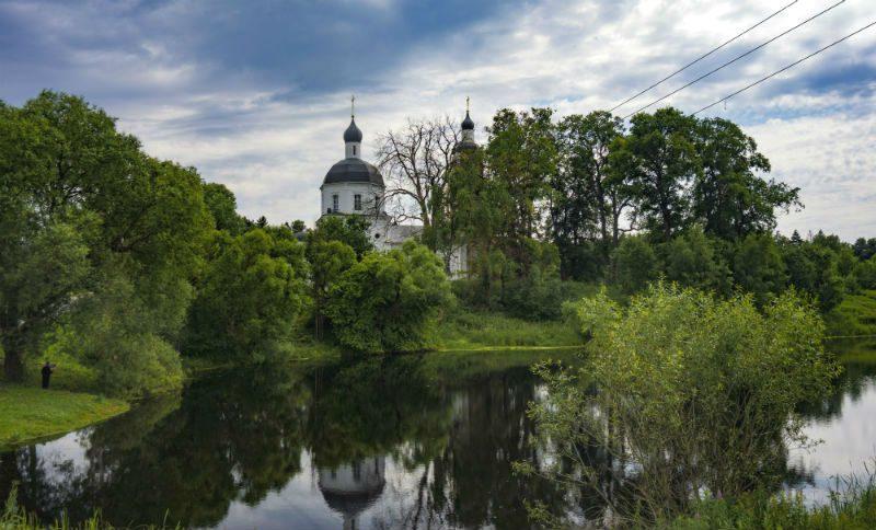 Церковь Рождества Пресвятой Богородицы в деревне Руднево, фото