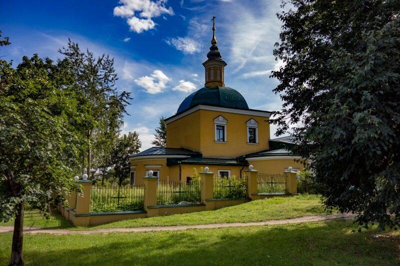Храм Сорока Севастийских Мучеников в Спасской слободе