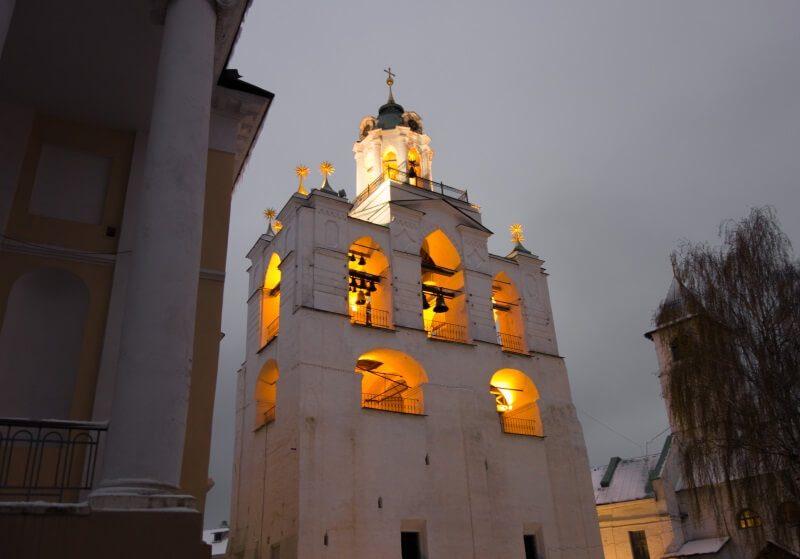 Ярославский музей-заповедник вечером