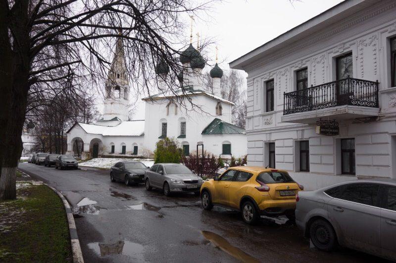Ярославль, набережная реки Которосль. Церковь Никола Рубленый.