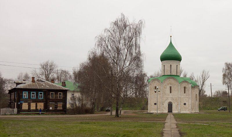 Древняя церковь в Переславле-Залесском, фото