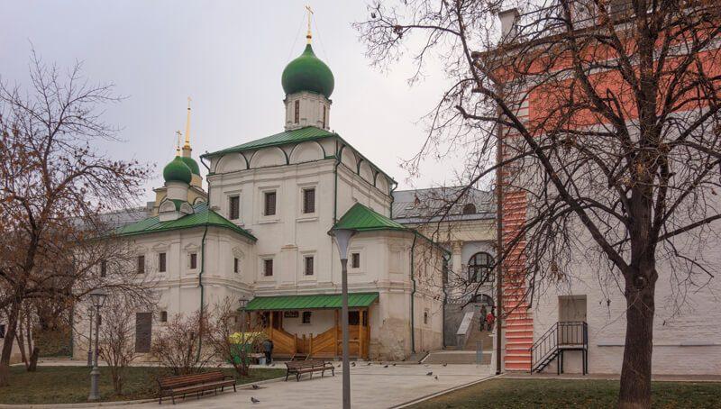 храм Максима Блаженного в Зарядье