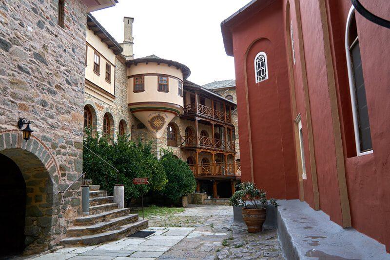 монастырь каракалл фото