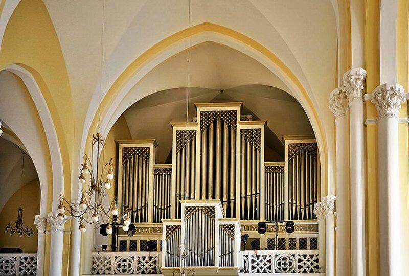 орган в католическом храме