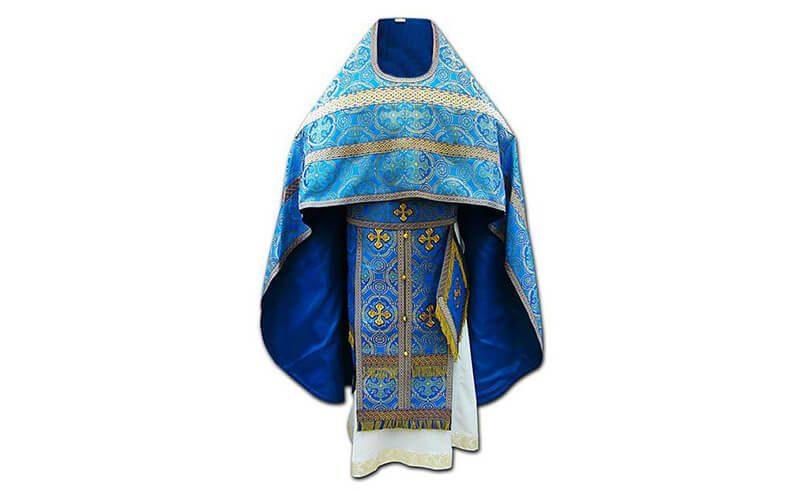 голубое облачение священника фото