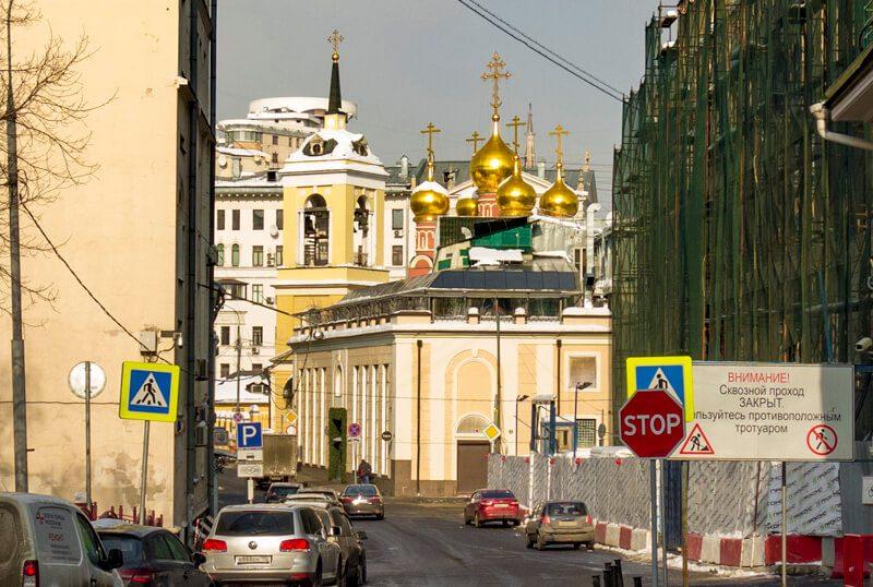 район метро Смоленская, храм