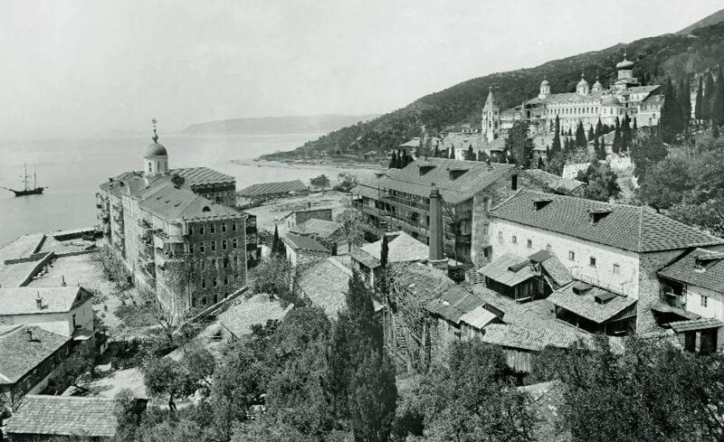 Афонский Пантелеимонов монастырь, фото начала XX века.