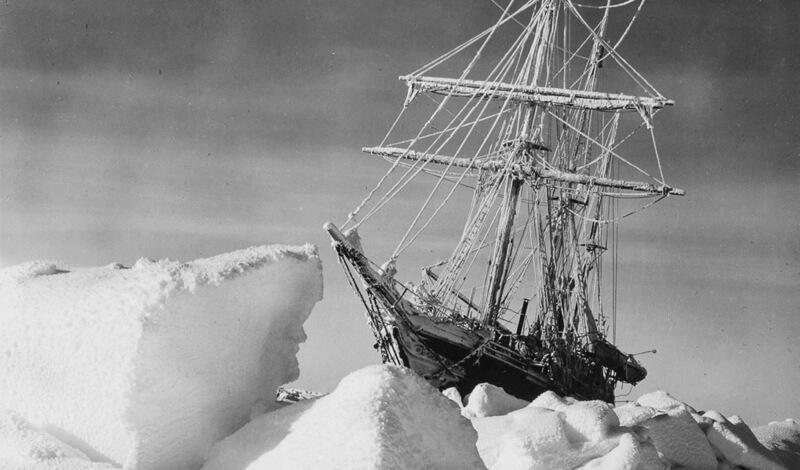 корабль во льдах