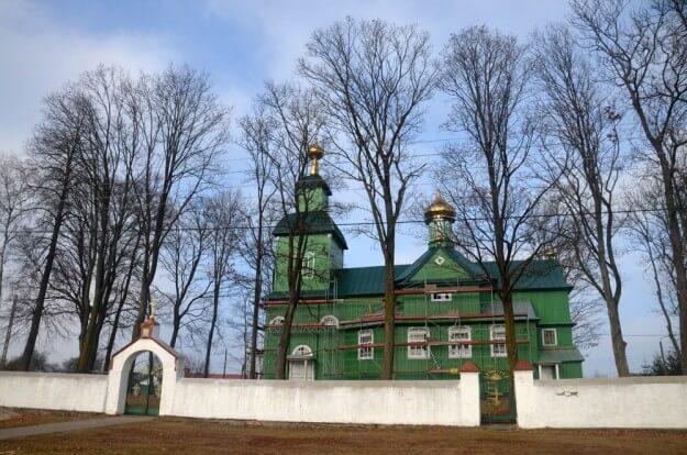 Сельская церковь в Польше
