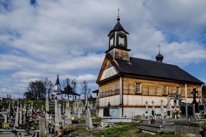 кладбищенский храм